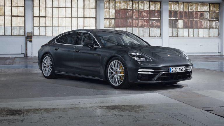 Porsche Panamera Turbo S E-Hybrid 2021: Ekologické zviera s výkonom 700 koní!